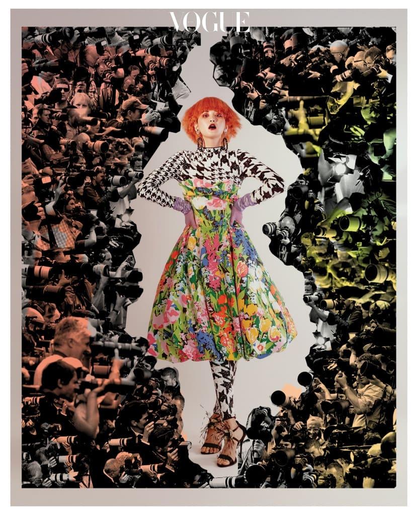 모델이 입은 하운즈투스 체크 패턴의 시퀸 톱과 레깅스, 꽃무늬 드레스는 H&M 디자인 어워드(H&M Design Award_Richard Quinn), 깃털 장식 샌들은 로저 비비에(Roger Vivier).