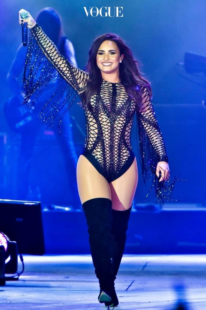"""""""허벅지 좀 보소"""" 데미 로바토 Demi Lovato"""