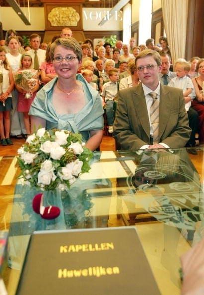 뒤이어 2003년, 이웃나라 벨기에도 동성 결혼을 합법화 하는 2번째 나라가 되었습니다.