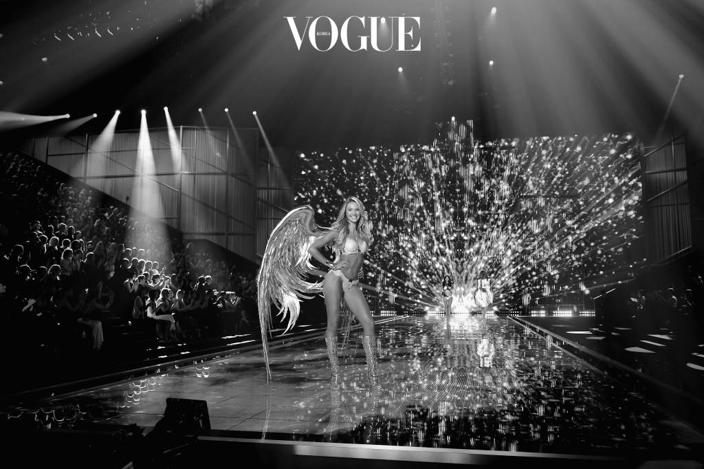 빅토리아 시크릿 패션쇼는 주로 미국 뉴욕에서 열리지만 2000년엔 프랑스 휴양도시 칸에서, 2014년엔 영국 런던, 2016년엔 파리에서 압도적인 규모의 쇼를 열었습니다.