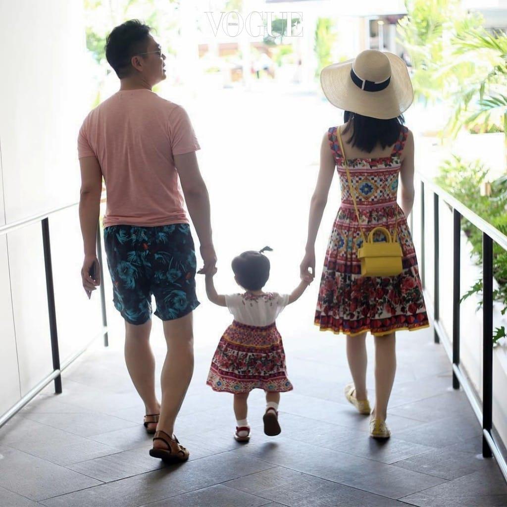 2015년 10월, 중국 부자 9위인 그와 호주에서 결혼하며 신데렐라로 등극하게 되었죠. @zetianzzz