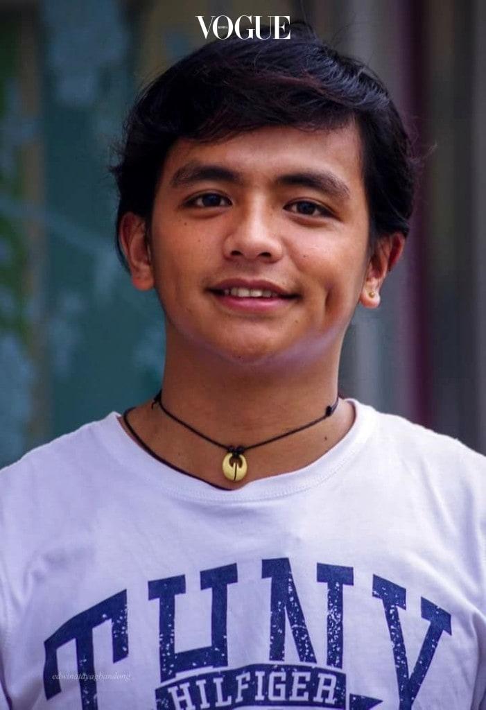 필리핀의 UC대학(University of the Cordilleras)에 다니던 평범한 학생이던 제이릭은  페이스북 @jeyricknatics1