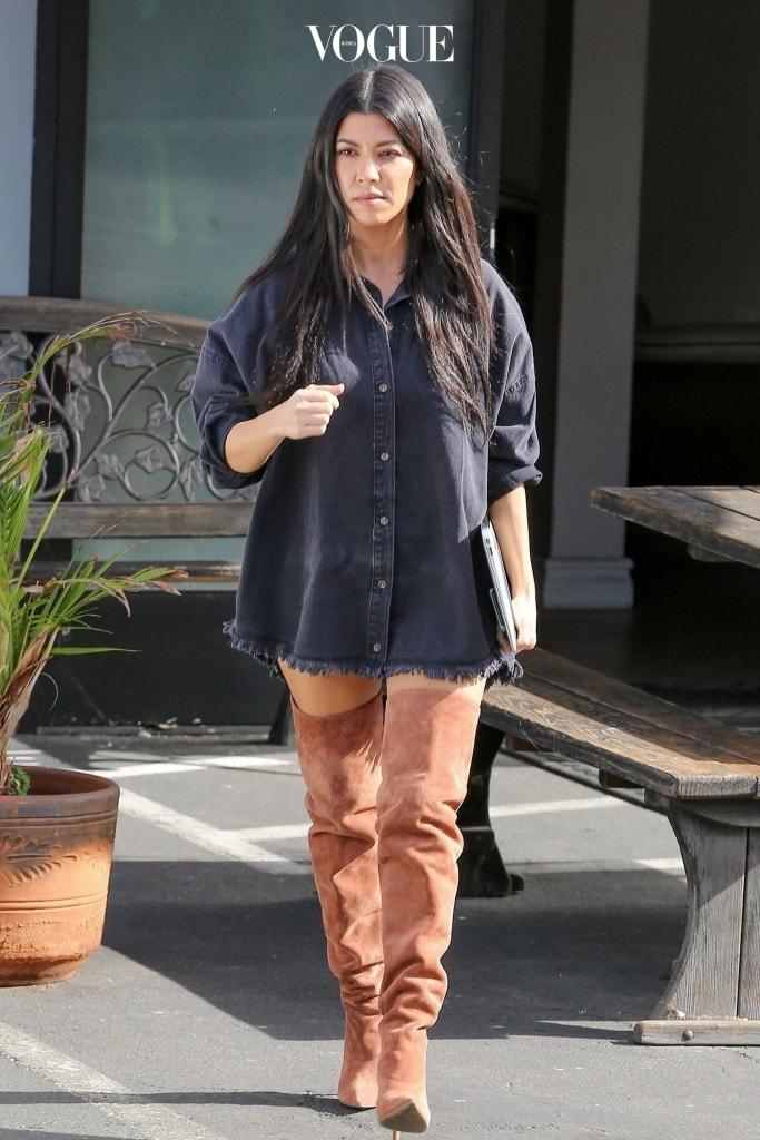 코트니 카다시안 Kourtney Kardashian 미스가이디드(Missguided) 블랙 오버사이즈 셔츠 드레스 $51