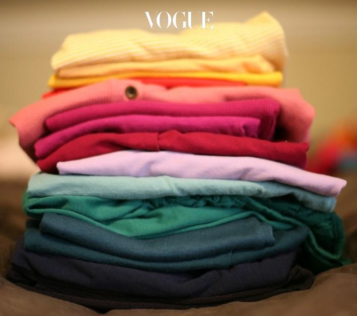 옷을 꾸릴 떈 절대 욕심내선 안됩니다. 아주 기본적인 속옷, 양말, 바람막이, 후드정도면 충분합니다.