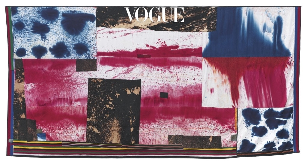 Flag(4791), 2014, Bleached and dyed canvas, denim and elastic, 443.2×871.2cm(Inv# 4791), Photo by Robert Wedemeyer. Courtesy of Sterling Ruby Studio
