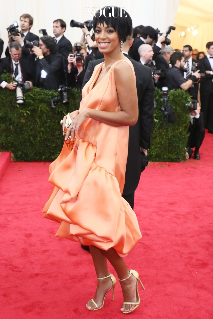"""Solange Knowles in 3.1 Phillip Lim attends the Metropolitan Museum of Art's 2014 Costume Institute Gala featuring the opening of the exhibit """"Charles James: Beyond Fashion."""" Pictured: Solange Knowles Ref: SPL752156  060514   Picture by: Splash News Splash News and Pictures Los Angeles:310-821-2666 New York: 212-619-2666 London:870-934-2666 photodesk@splashnews.com"""