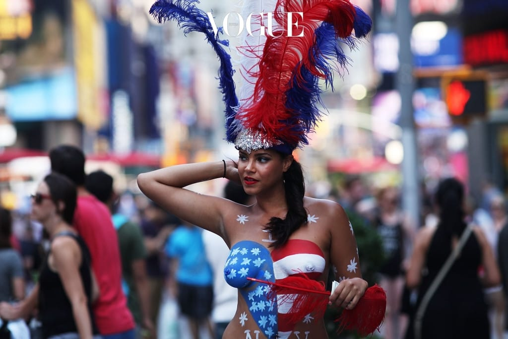 NYC Mayor Considers Taking Action Against Body-Painted Topless Women Poses For Tips In Times Square