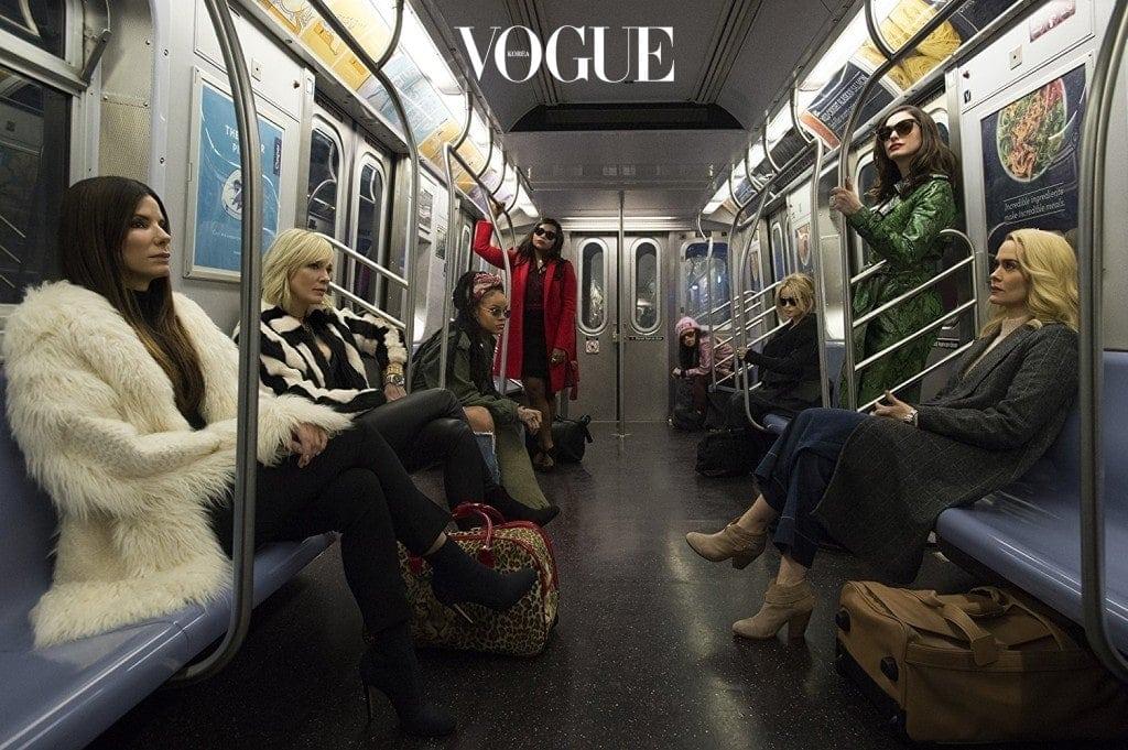 뉴욕을 배경으로 펼쳐지는 영화 는 '패션인들의 행사' 멧 갈라에서 역대급 사기 행각을 벌이는 내용을 담았는데요.