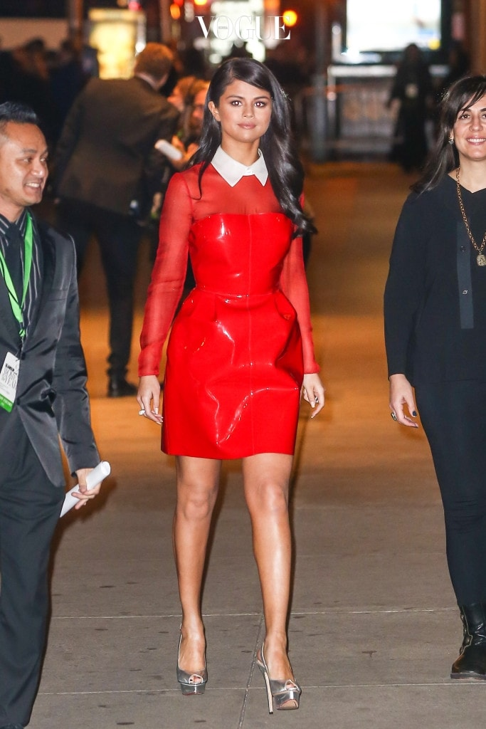 Selena Gomez arriving at the 25th Glamour Women of the year at Carnegie Hall, NYC Pictured: Selena Gomez Ref: SPL1173174  091115   Picture by: Splash News Splash News and Pictures Los Angeles:310-821-2666 New York:212-619-2666 London:870-934-2666 photodesk@splashnews.com