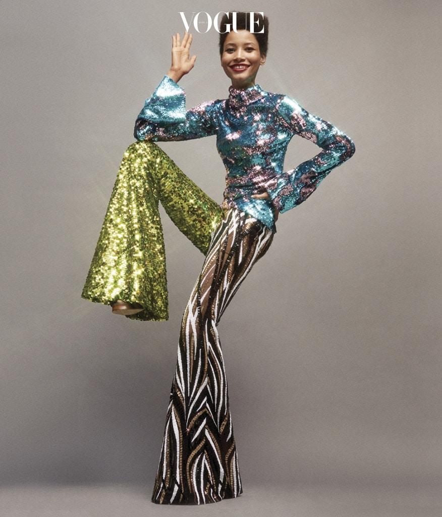 다채로운 컬러와 매혹적인 시퀸으로 무장한 할펀의 의상을 입은 리네이시 몬테로(Lineisy Montero@Next Models).