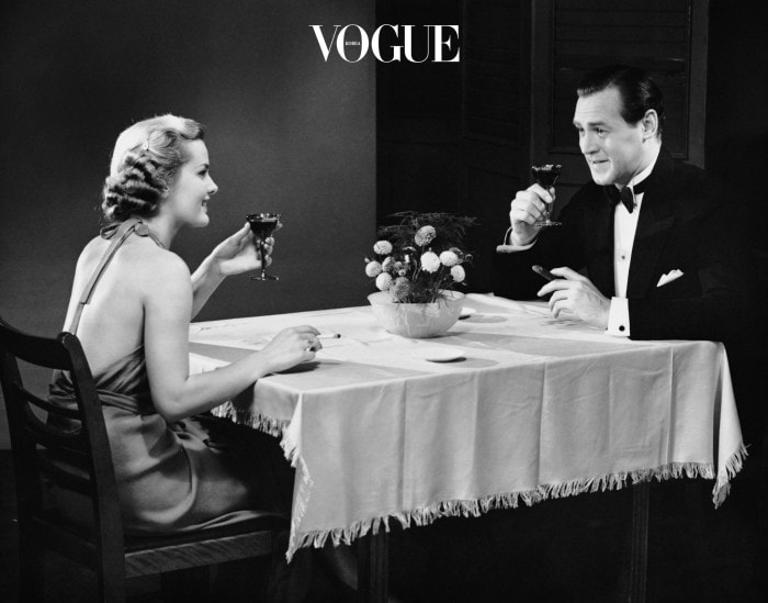어쩌다 한 잔씩 곁들이는 술을 아주 끊을 순 없겠죠. 하지만 저녁까지 든든히 먹었으니 안주는 최소화 합니다. 나가사끼 짬뽕, 치즈, 오뎅탕, 감자탕 처럼 식사보다 칼로리가 높은 안주는 그만! 과일 안주로 대체해 주세요. 가볍게 술만 즐기는 것도 추천!