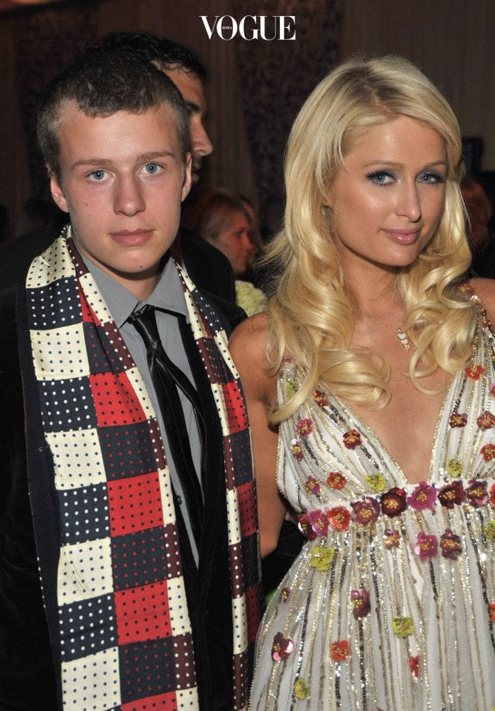 LOS ANGELES, CA - JANUARY 07:  ***EXCLUSIVE*** Socialite Conrad Hilton and Paris Hilton attend the 35th Annual People's Choice Awards after party held at the Shrine Auditorium on January 7, 2009 in Los Angeles, California.  (Photo by Frazer Harrison/Getty Images for PCA)