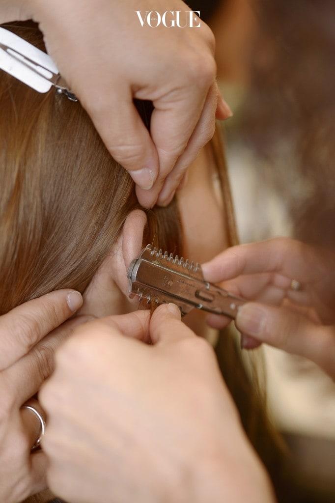외출하고 집으로 돌아오면 제일 먼저 해야 하는 것은 머리카락을 털어내는 것!