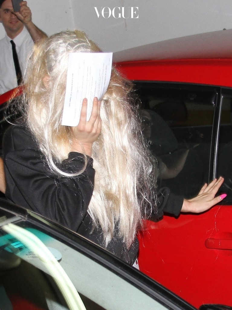 Amanda Bynes is released on her own reconnaissance and crowded by the paparazzi.  Pictured: Amanda Bynes Ref: SPL549743  240513   Picture by: Blayze / Splash News Splash News and Pictures Los Angeles:310-821-2666 New York:212-619-2666 London:870-934-2666 photodesk@splashnews.com