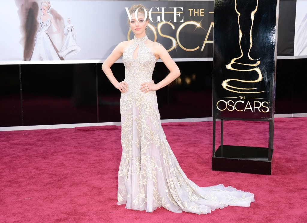 HOLLYWOOD, CA - FEBRUARY 24:  Actress Amanda Seyfried arrives at the Oscars at Hollywood & Highland Center on February 24, 2013 in Hollywood, California.  (Photo by Jason Merritt/Getty Images)