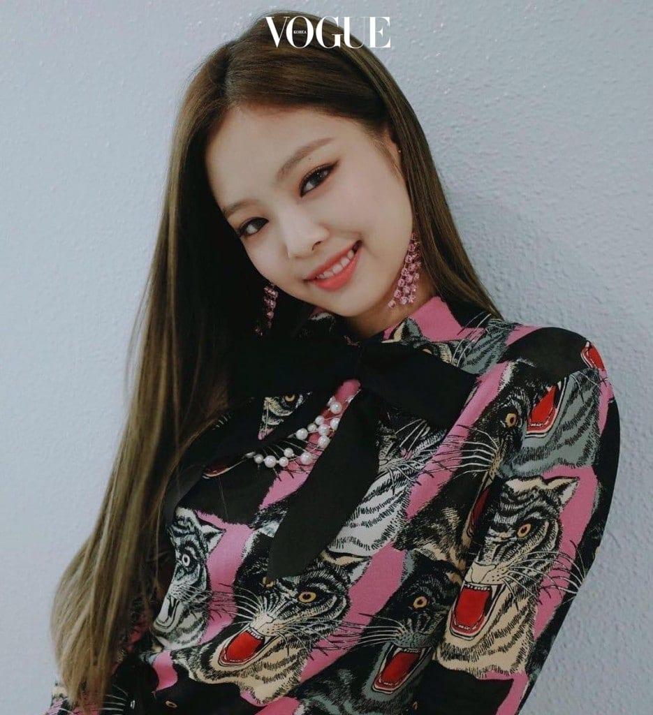 안성맞춤과도 같은 스타일을 연출한 그녀의 센스! @blackpink_jennie
