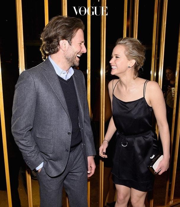 사실 제니퍼 로렌스와 가장 많이 상대역으로 출연한 배우는 브래들리 쿠퍼입니다. 두사람은 , , , 까지 총 네 편의 영화에 함께 출연했습니다. 이 두사람도 분명 사귀었을 거라고요? 아니요! 브래들리 쿠퍼와 제니퍼 로렌스는 서로 좋은 파트너로 '플라토닉 러브'만을 한다고 밝혔습니다. 이렇게나 많은 시간을 보낸 뒤에도 연인으로 발전하지 않는 영화 속 커플도 있는 걸 보니 무조건 함께 출연한다고 사랑에 빠지는 건 아닌것 같죠?