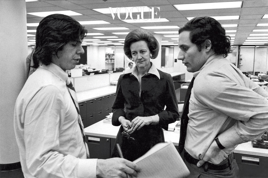 Washington, DC: Washington Post publisher Katharine Graham discusses Watergate developments with reporters Carl Bernstein, left, and Bob Woodward in the Post newsroom.  April 30, 1973 4 ©Mark Godfrey  / The Image Works