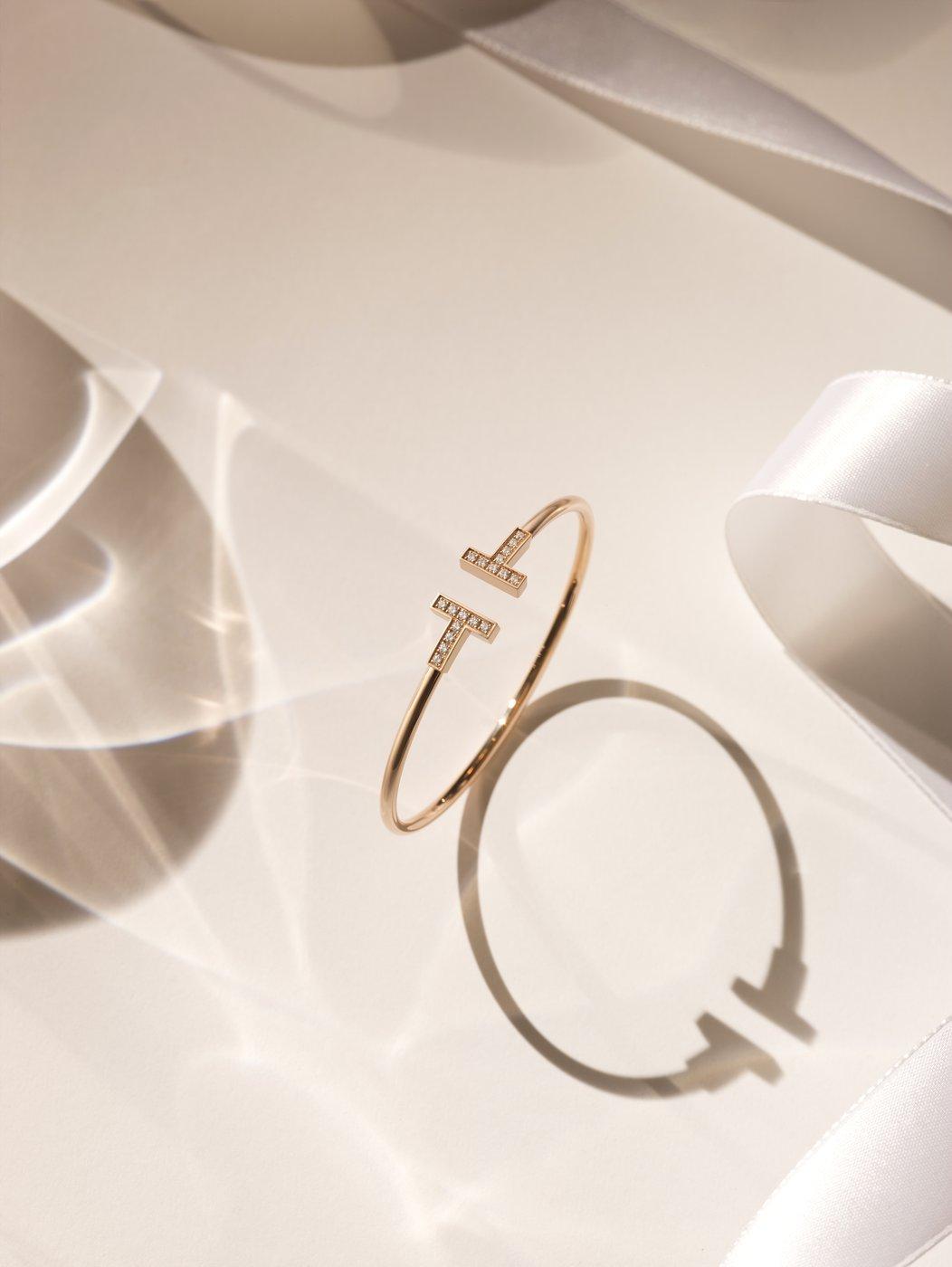 티파니 T 와이어 다이아몬드 브레이슬릿